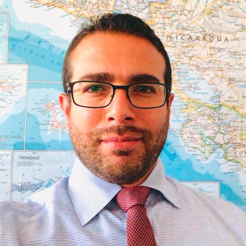 Sr. Esteban Gracias