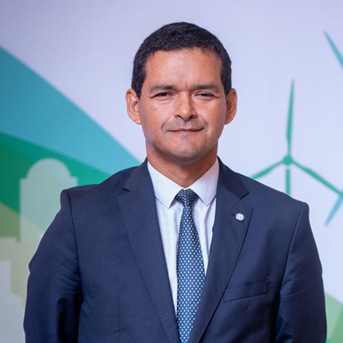 Sr. Raúl Salazar